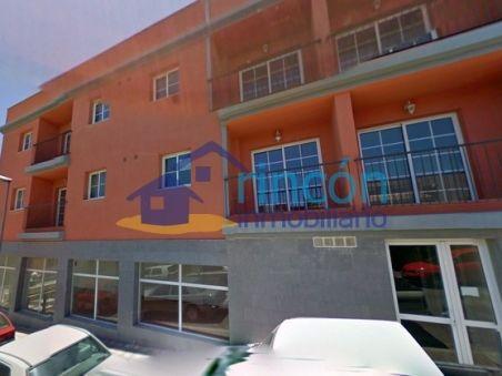 Local comercial en San Isidro en venta a 62.000 €, en alquiler 285 € Más info en nuestra web: http://goo.gl/btBQit