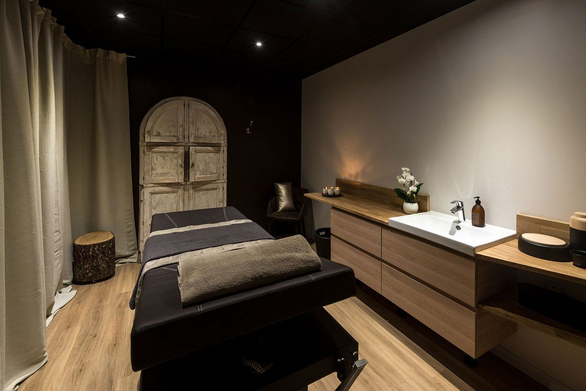 Am nagement int rieur d 39 un institut de beaut saint for Amenagement spa interieur