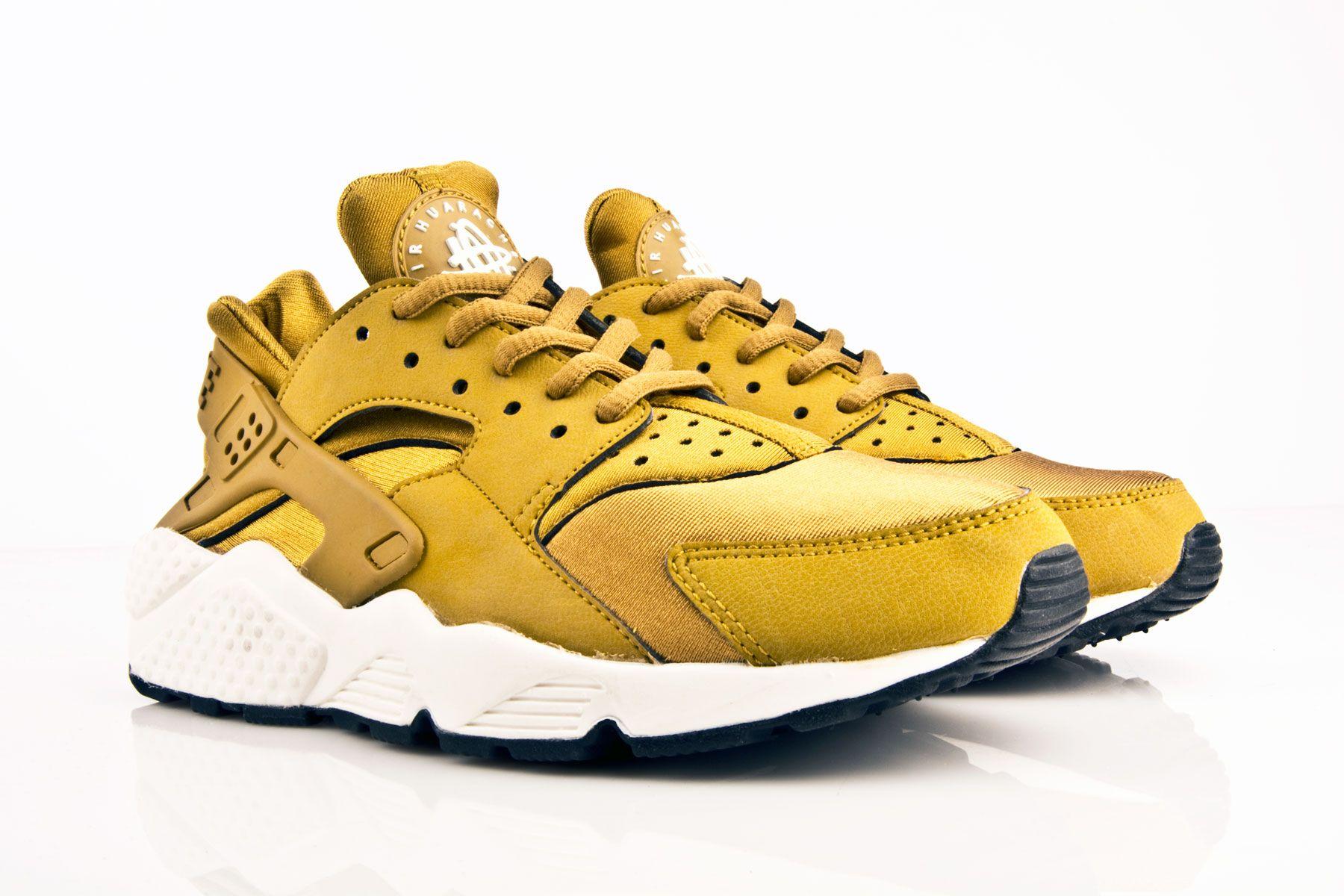 gold huaraches