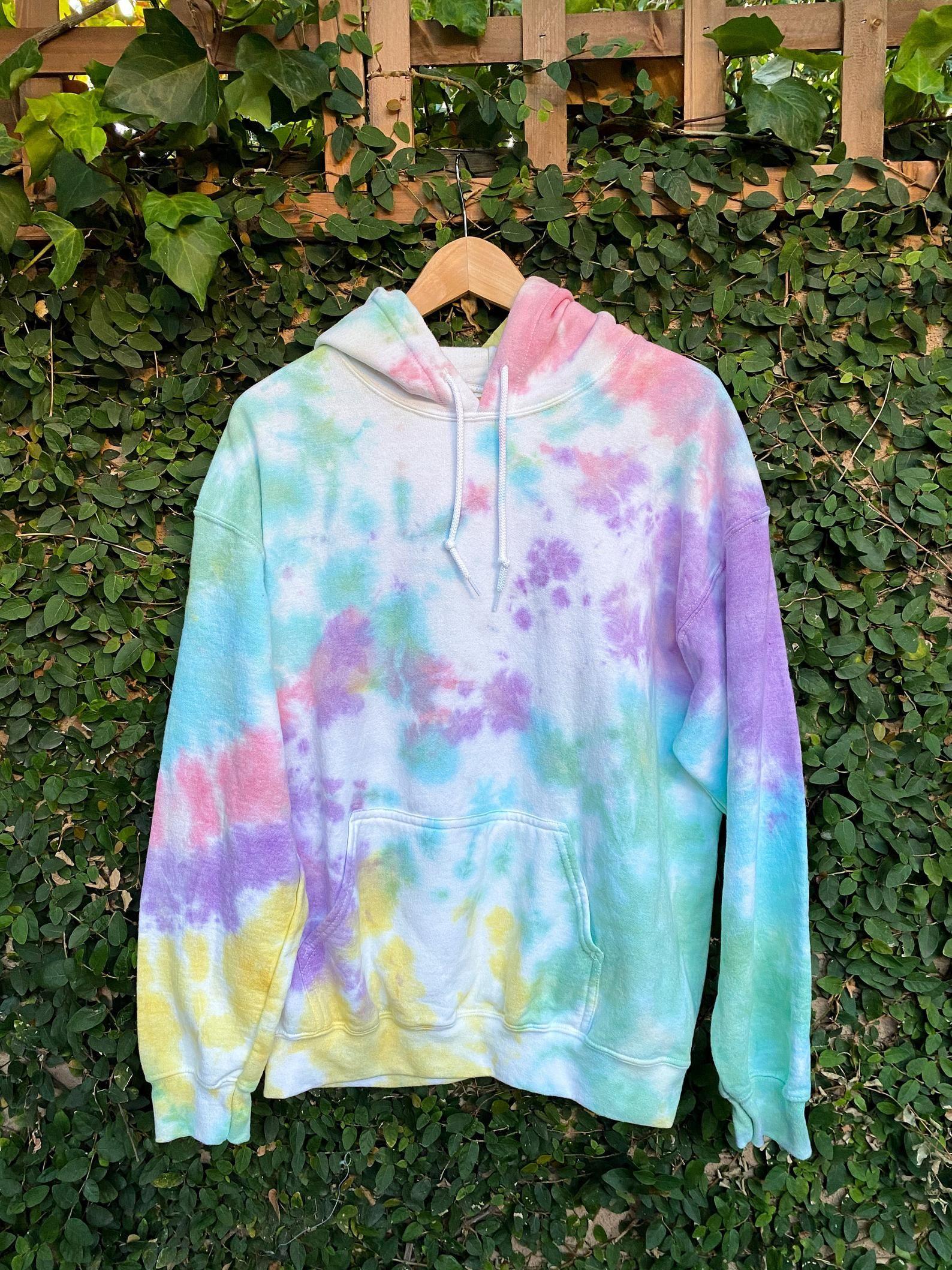 Tie Dye Hoodie Or Sweatshirt Single Color Crumple Tie Dye Etsy Tie Dye Hoodie Tie Dye Tie Dye Sweatshirt [ 2117 x 1588 Pixel ]