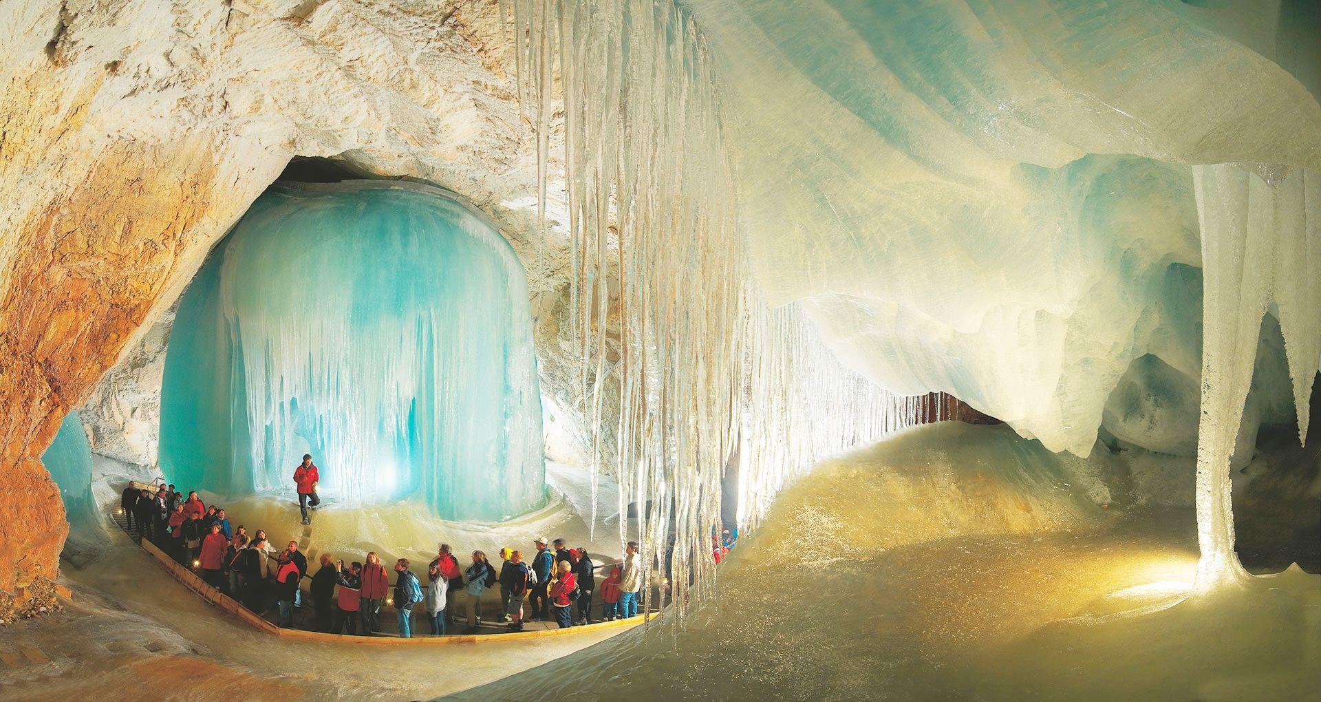 #Eisriesenwelt #IceCaves in #Austria http://goo.gl/IRYtPU  Amazing daily post & follow us ---► +DirectRooms