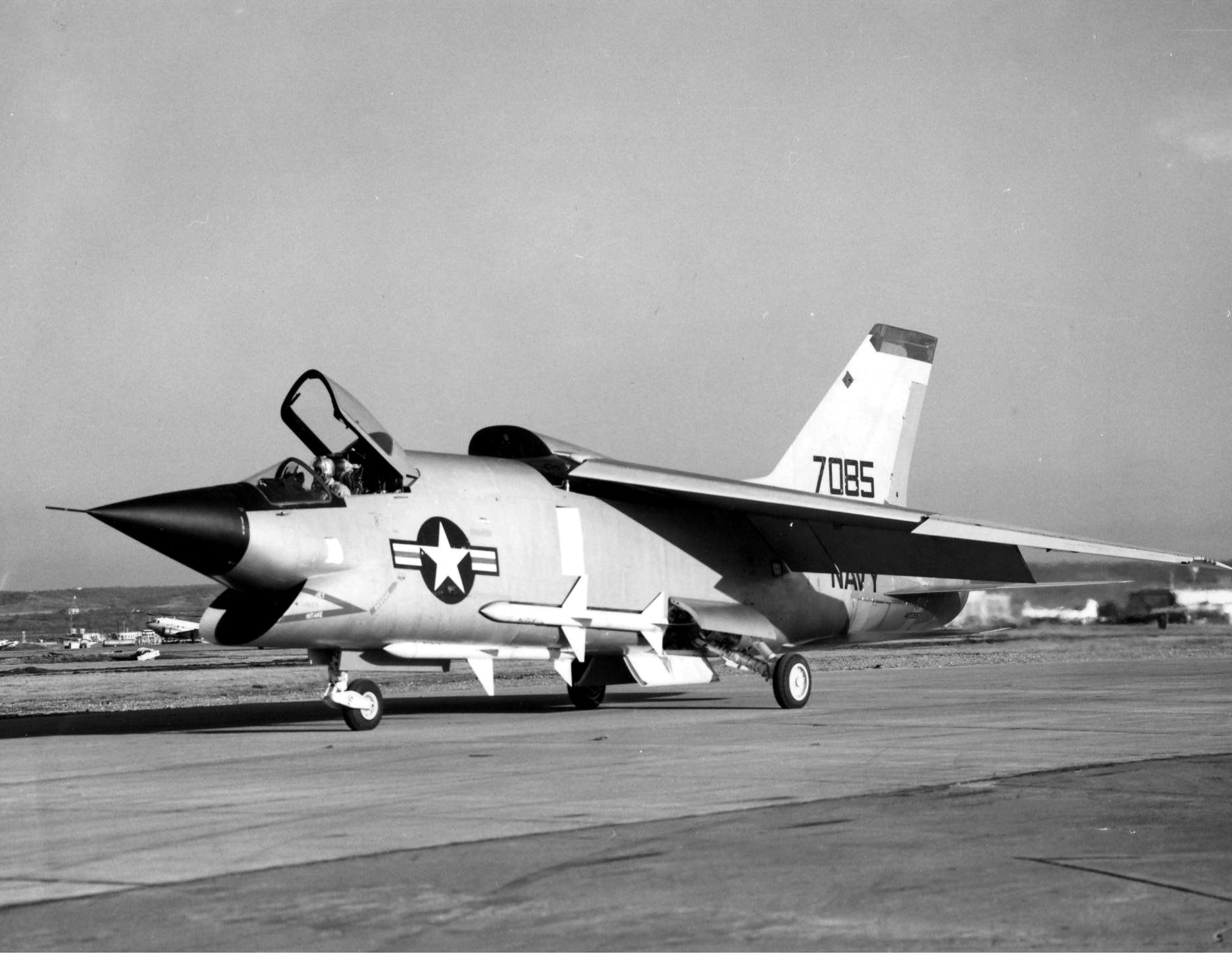 vought f8u3 crusader iii taxiing in 1958 navy fighters