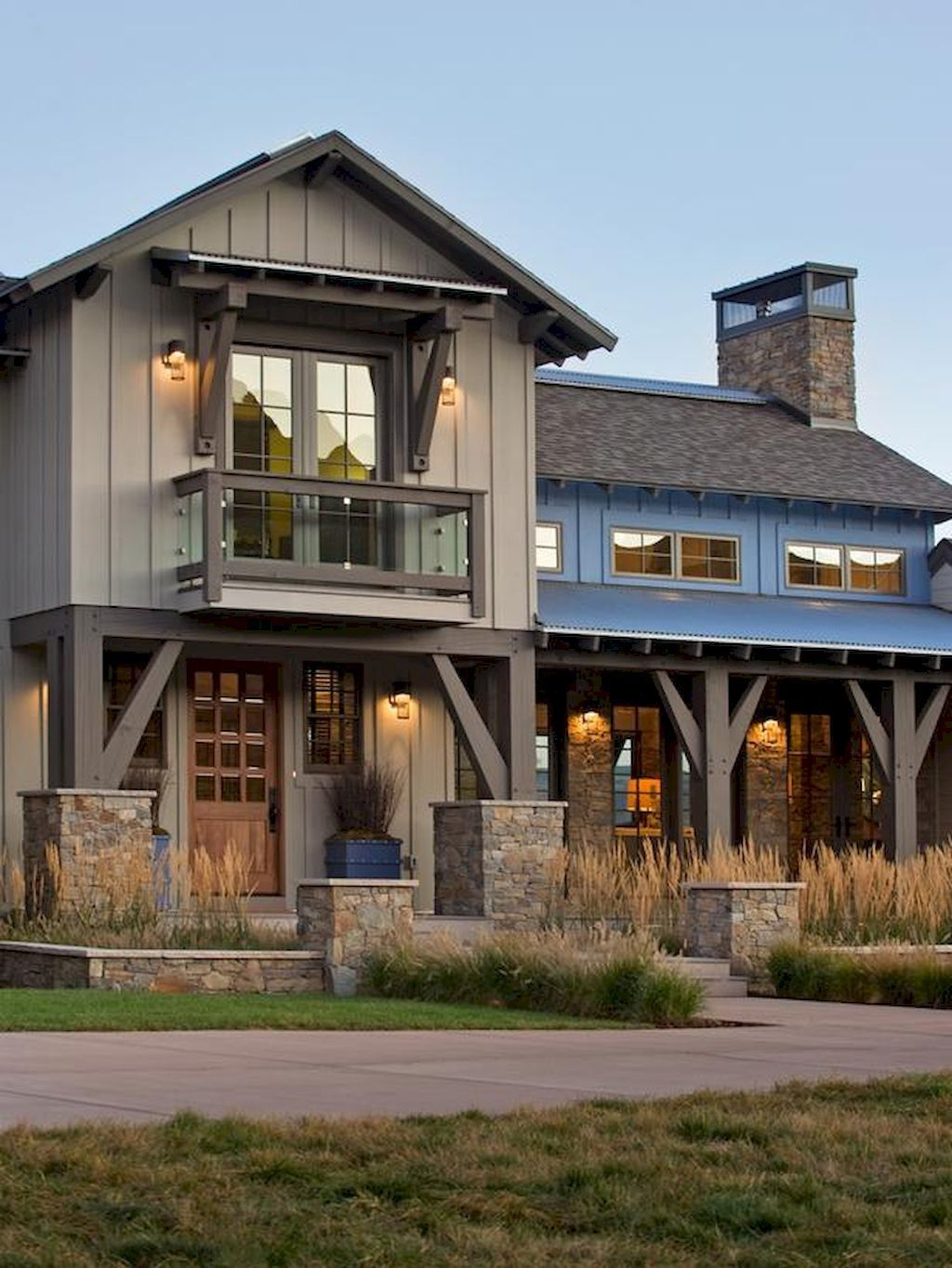 Aesthetic farmhouse exteriors design ideas (11   Exterior design ...