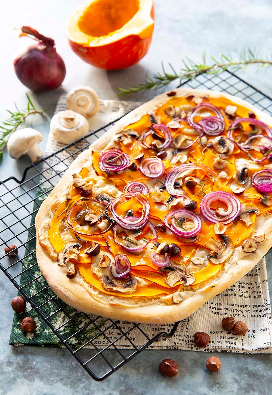 Pizza végétale potimarron et oignon rouge Recette en