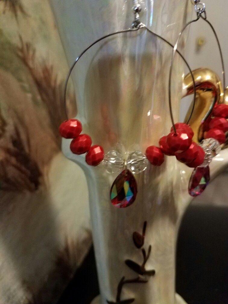 Aros en Alambre Memoria En cristales Rojos y transporente con gota de cristal