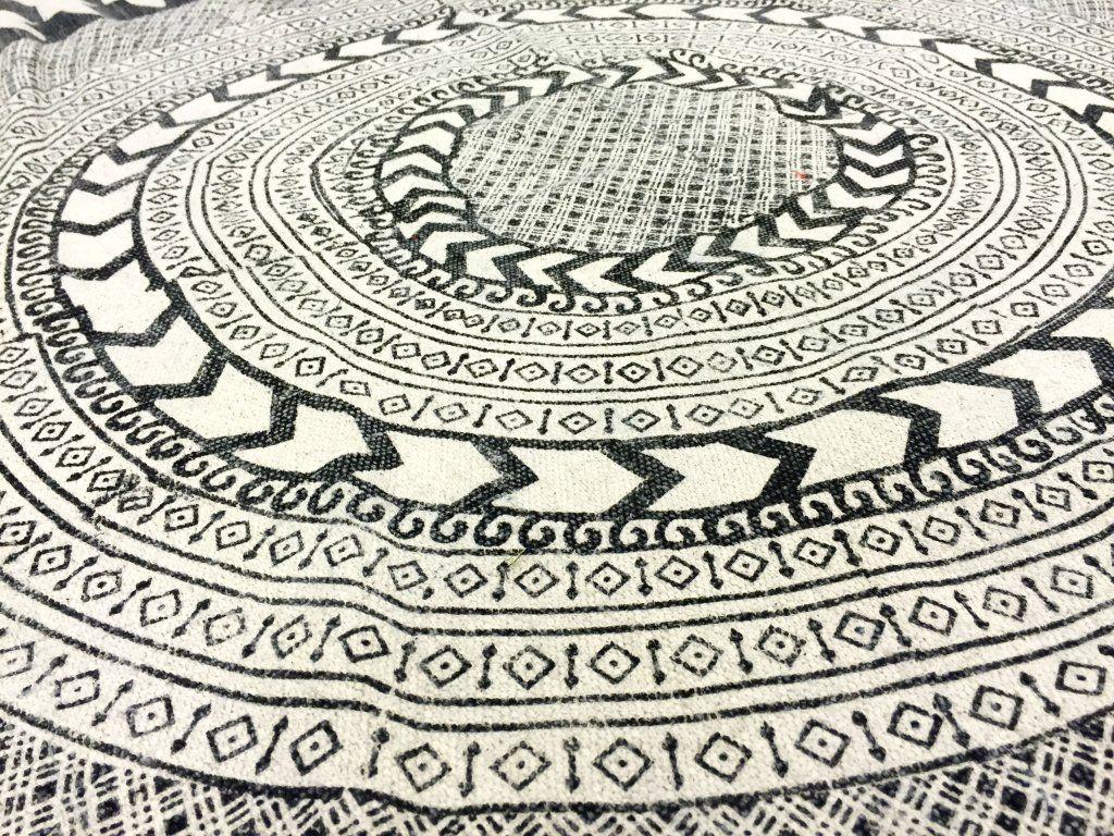 Runde Teppiche Marrakech Rund Schwarz Grau Weiss Teppich Runde Teppiche Flickenteppich