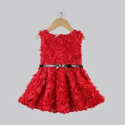 Soft polyester dress for girls.  Product: dress Color:red Shape/Pattern:rosette Style: casual,fashion Sleeve: sleeveless Material:polyester Collar: round Decoration:soft rose patterns AVAILABLE SIZE:3T AVAILABLE COLOR:cream/off white USES: ...