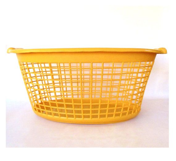 Harvest Gold Laundry Basket Plastic Clothes By Lauraslastditch 39 99 Vintage Laundry Laundry Basket Vintage Kitchenware