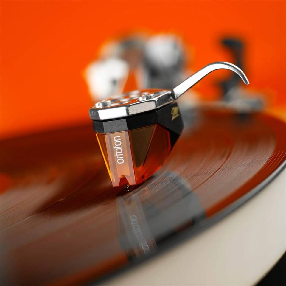 The Ortofon 2m Cartridges Are Designed For Precise And Accurate Retrieval Of The Information In The Record Groove Th Hifi Turn Table Vinyl Turntable Cartridge