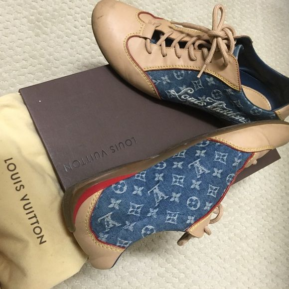 Louis Vuitton monogrammed sneakers 3 times used, great for travel! Louis Vuitton Shoes Sneakers