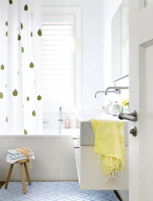 happy & luminous #bathroom / kim timmermann / banheiro colorido e luminoso