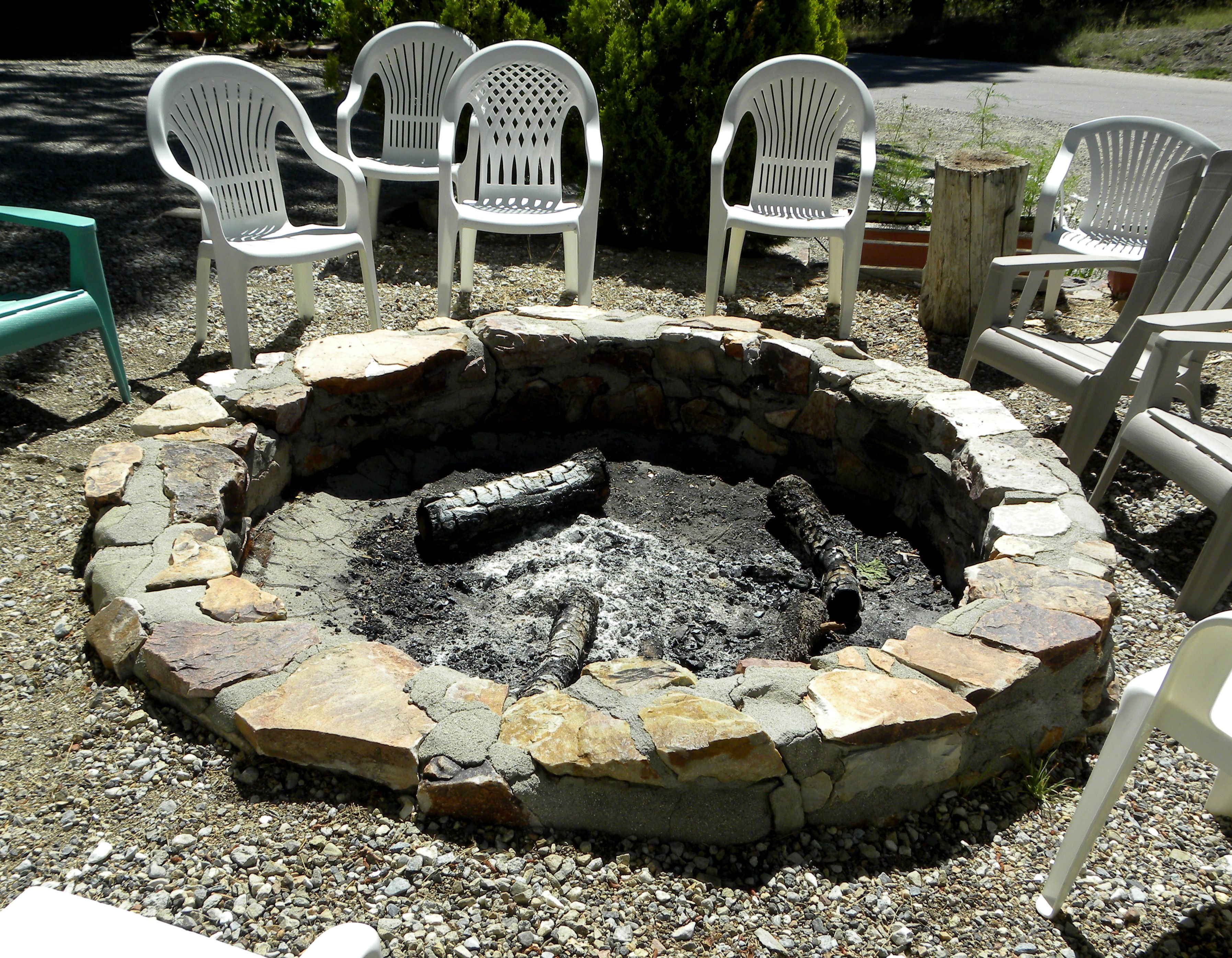 Stone firepit for the backyard using native stone and ...