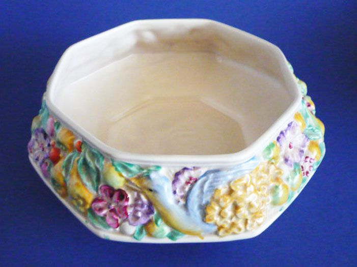 Clarice Cliff Newport Pottery 'Bird and Flower' Fruit Bowl c1937