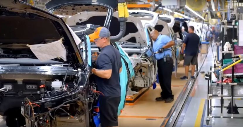 Video Take a Look at how the new BMW X5 Is Made in