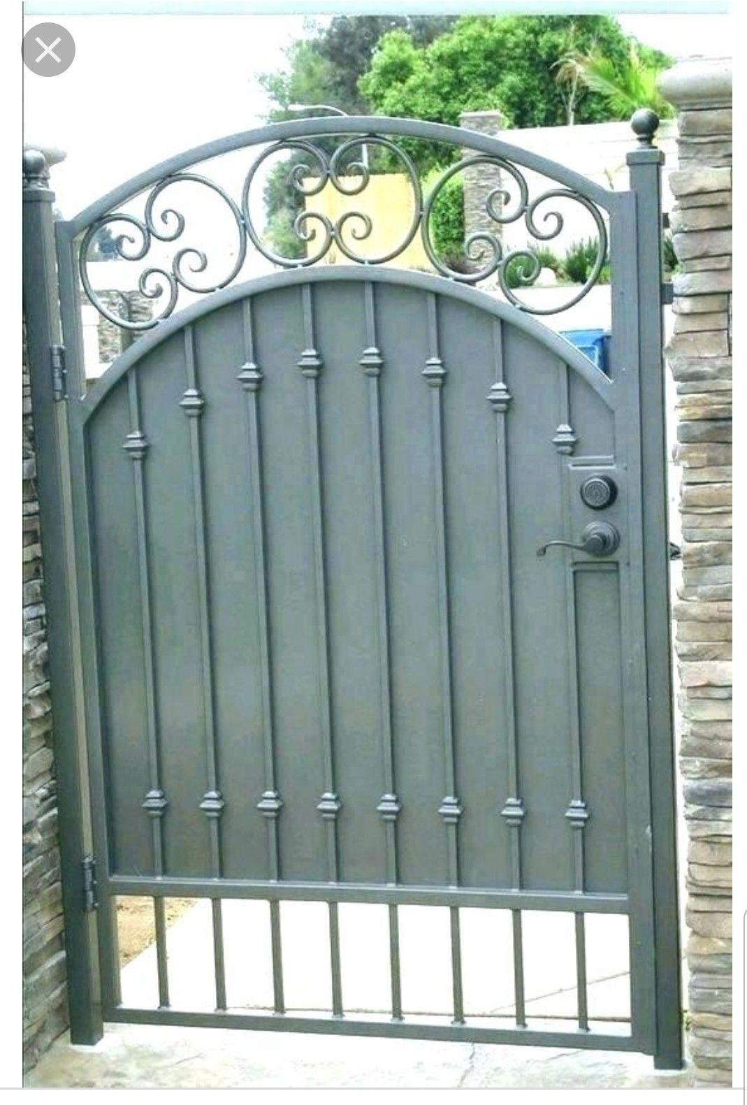 Pin By Priyanka Dobriyal On Puerta Lateral Exterior Iron Garden Gates Wrought Iron Garden Gates Iron Gates