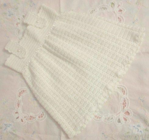 Vestido de bebé en crochet. Diseño y elaboración por Josmar Cruz.