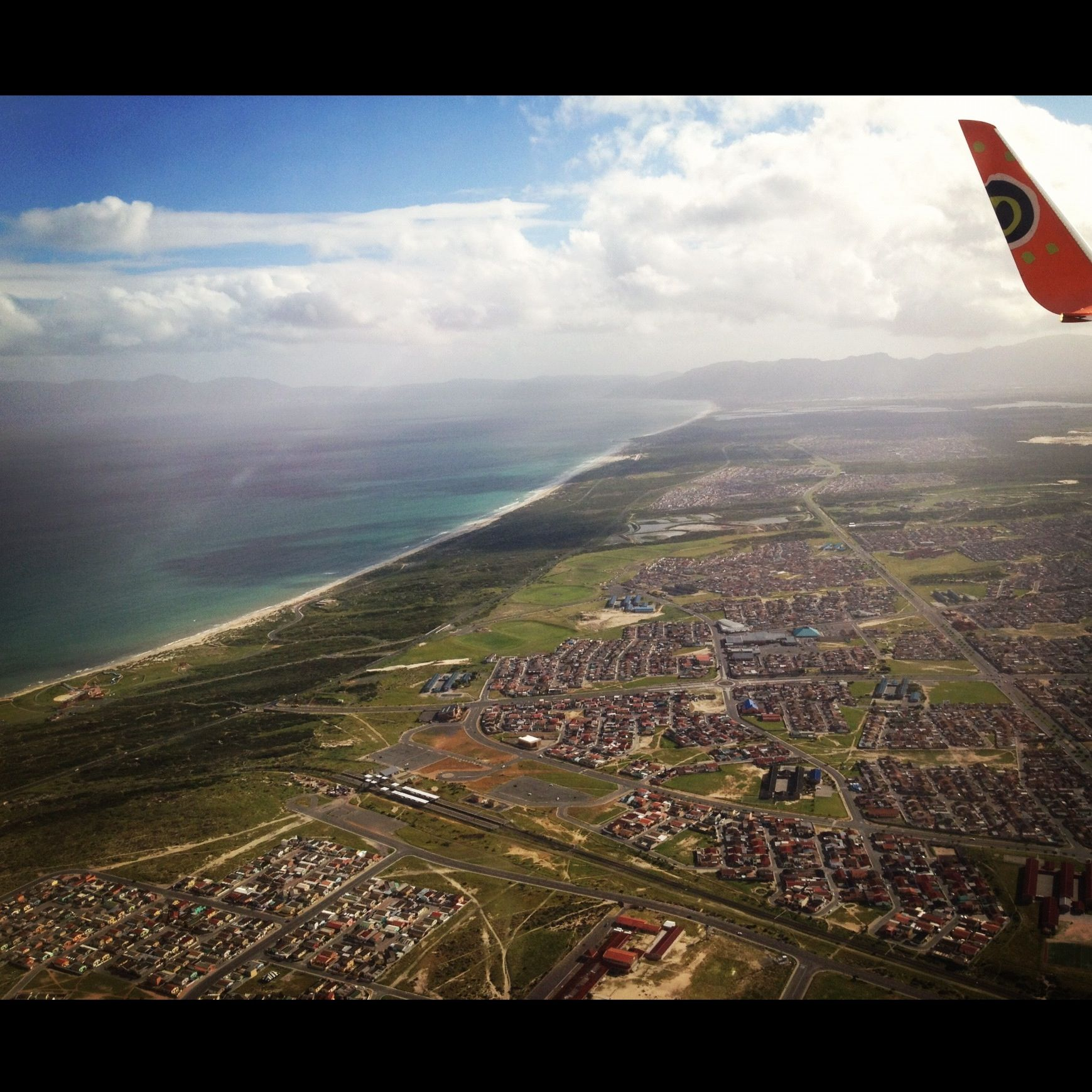 Sunshine and coastlines while flying into Cape Town