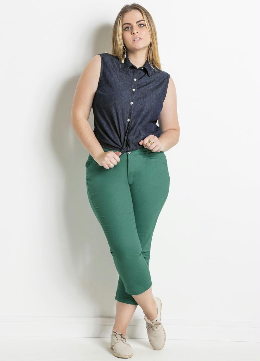 fb8d722b4 Blusa Jeans com Amarração Plus Size Quintess - Posthaus | Plus Size ...
