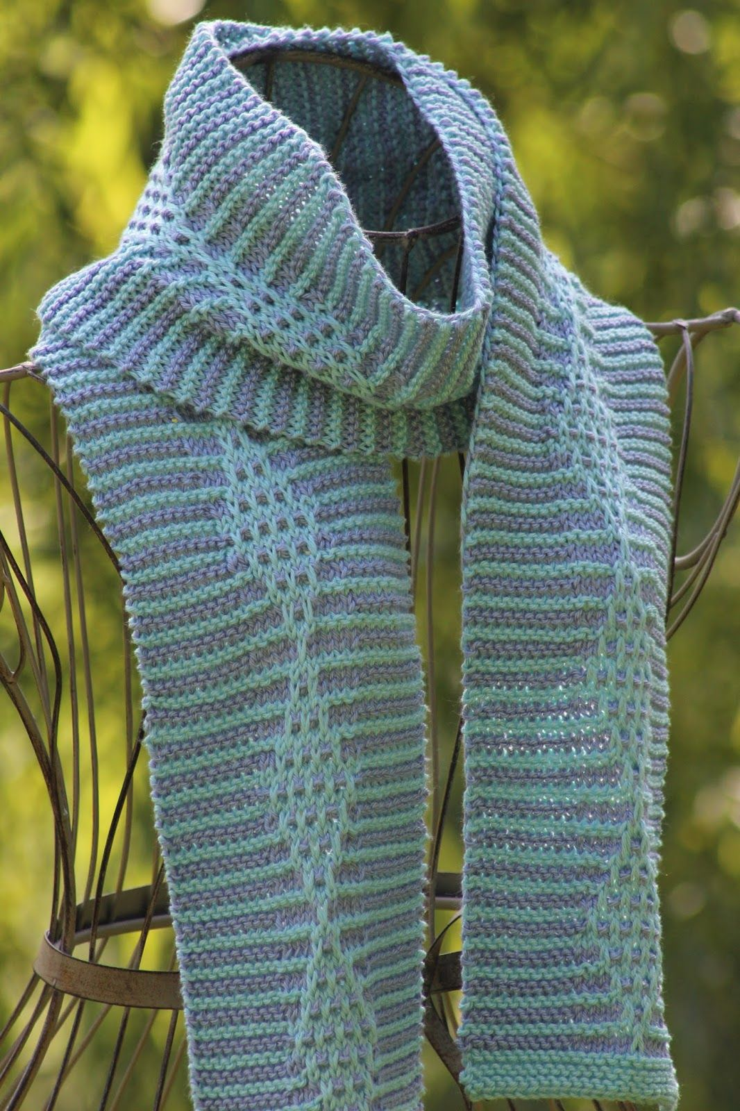 Balls to the Walls Knits: Stripes & Diamonds Scarf | Free knitting ...