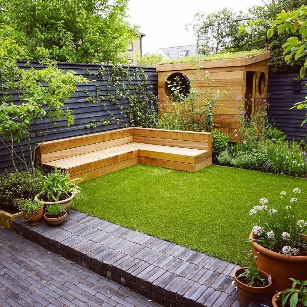 20 Clever Small Yard Design Solutions For Your Front Yard Trenduhome Small Garden Landscape Small Courtyard Gardens Small Garden Landscape Design Backyard garden ideas for small yards