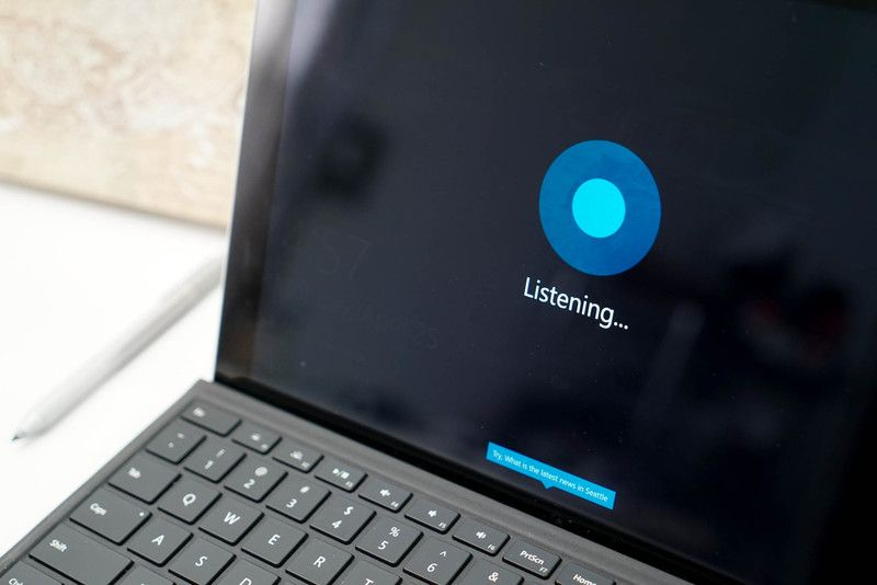 Cortana on the Windows 10 lock screen is even cooler than you think