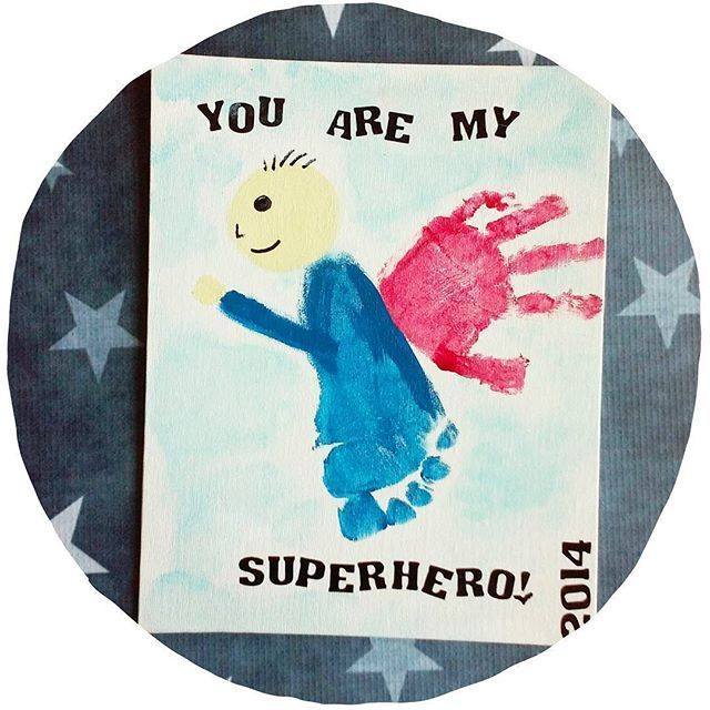 Eres mi # superhéroe Encuentra más #handprint #footprint ideas en #gluedtomycrafts #fathersday #grandparents #keepsake #kidcraft #handmade #diy #crafts # ... #Encuentra #fathersday #footprint #gluedtomycrafts #handprint #ideas #superheroe #grandparentsdaycraftsforpreschoolers