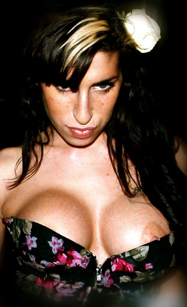 nipple slip winehouse Amy