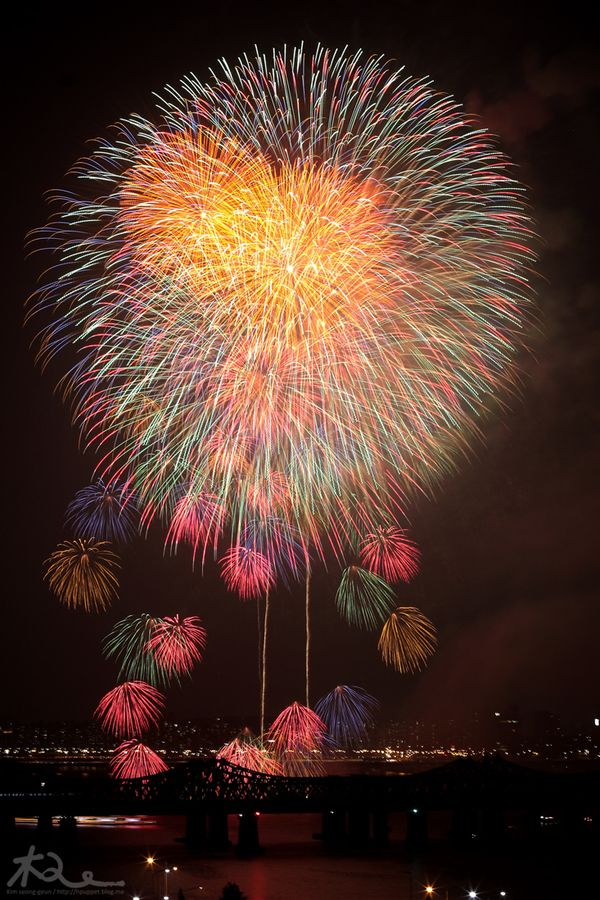 Korea International Fireworks Festival by kim seong-geun, via 500px