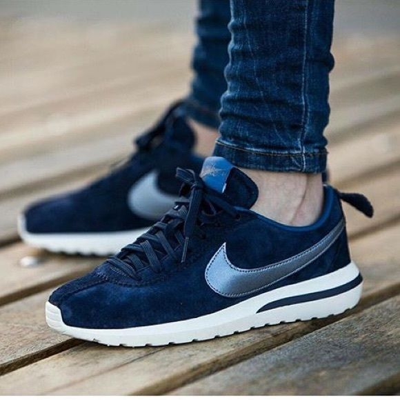 3b5da65f842cb ✨✨ Nike  Roshe Cortez NM PRM Suede Women s size 10. Color  mid navy