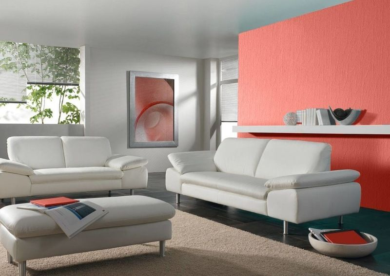 Best Ways To Use This Coral Color Of The Year Paint Colors For Living Room Coral Color Decor Living Room Colors