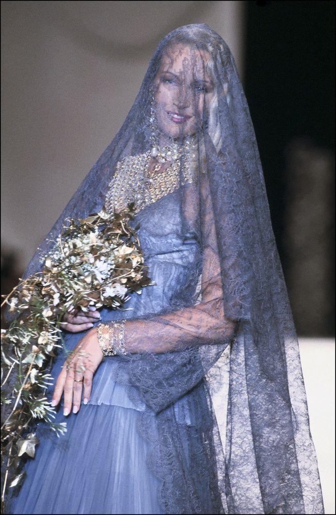 369ff1dda61 Le défilé Christian Dior haute couture automne-hiver 1993-1994
