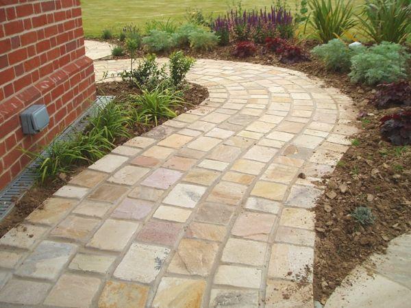 Pflastersteine verlegen naturstein material verwenden for Vorgarten inspirationen