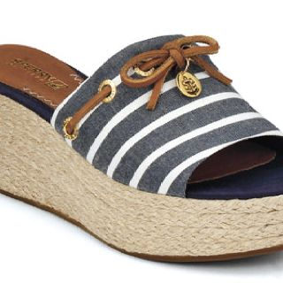 1cc015cc442 Cute for boat parties.   Shoes ❤️   Shoes, Sperry boat shoes ...