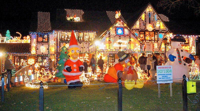 Cool Christmas Lights From Around The World Things