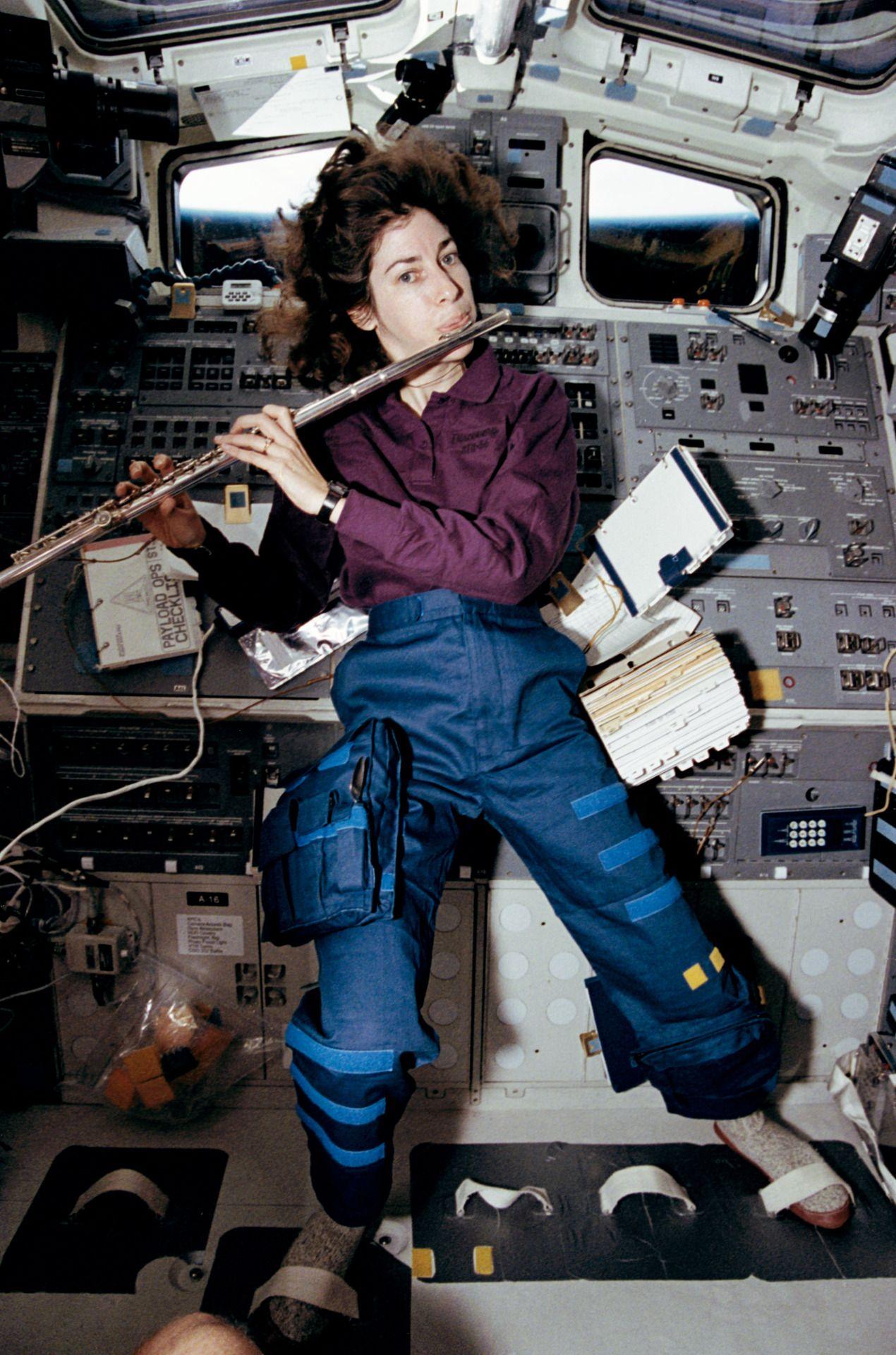 "humanoidhistory: "" Astronaut Ellen Ochoa plays a 15-minute ..."