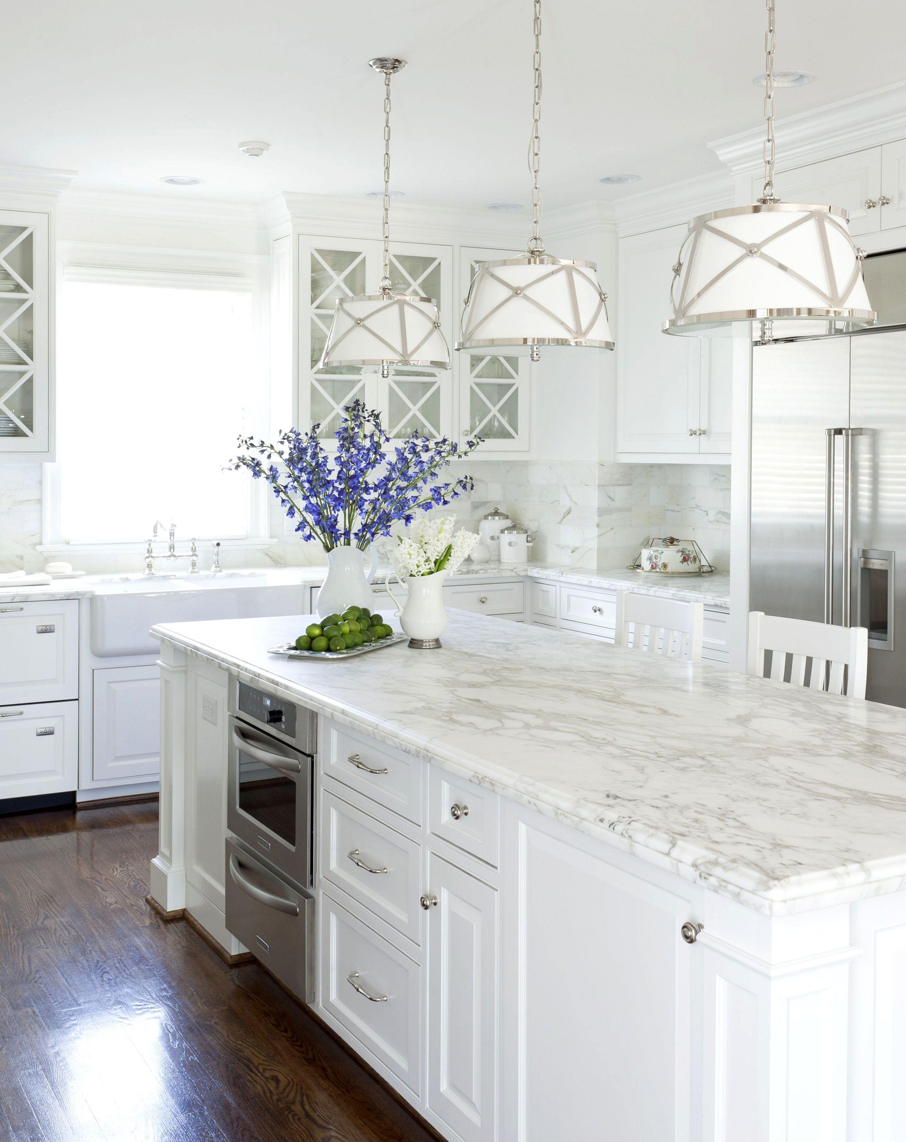 white kitchen all it s missing is the cobalt blue accents kitchenremodelideas white kitchen on kitchen decor blue id=76857
