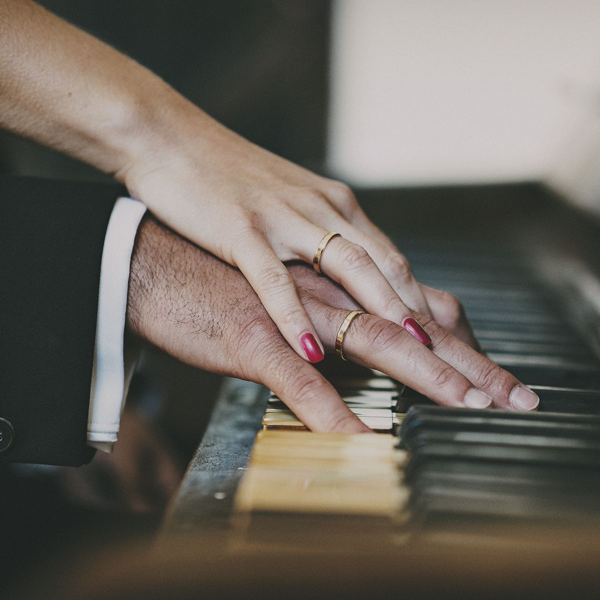 Rings on the piano - wedding photographer Cheshire ❤ #wedding #photographer www.boxoflove.eu