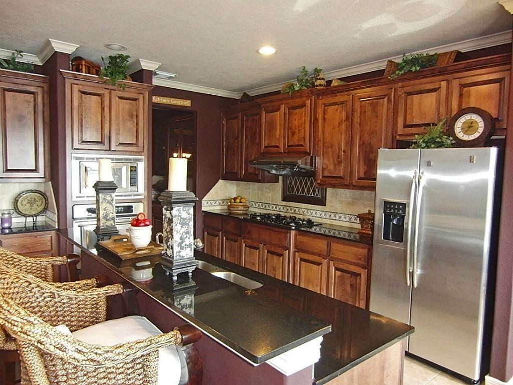 Kitchen Island Layout Cabinets