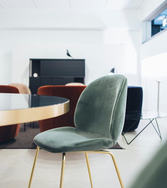 Gubi beetle chair - Master Meubel - Design meubelen en interieur ...