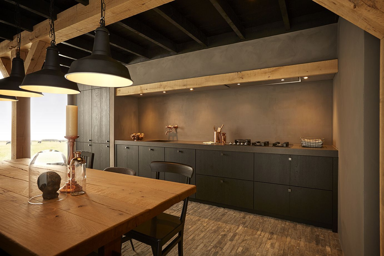 Lampen Boven Aanrecht : Keller keukens echt landelijk maar met een industiële touch. de