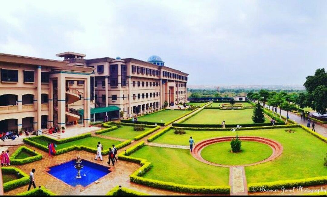 FAST UNIVERSITY Lahore Punjab Pakistan