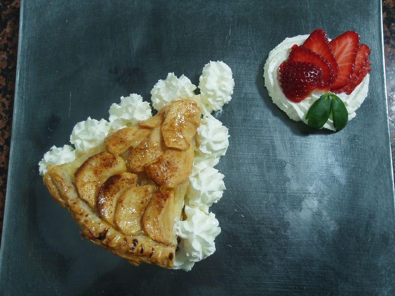 Tarta de manzana (rellena de crema pastelera y compota de manzana ácida y limón)