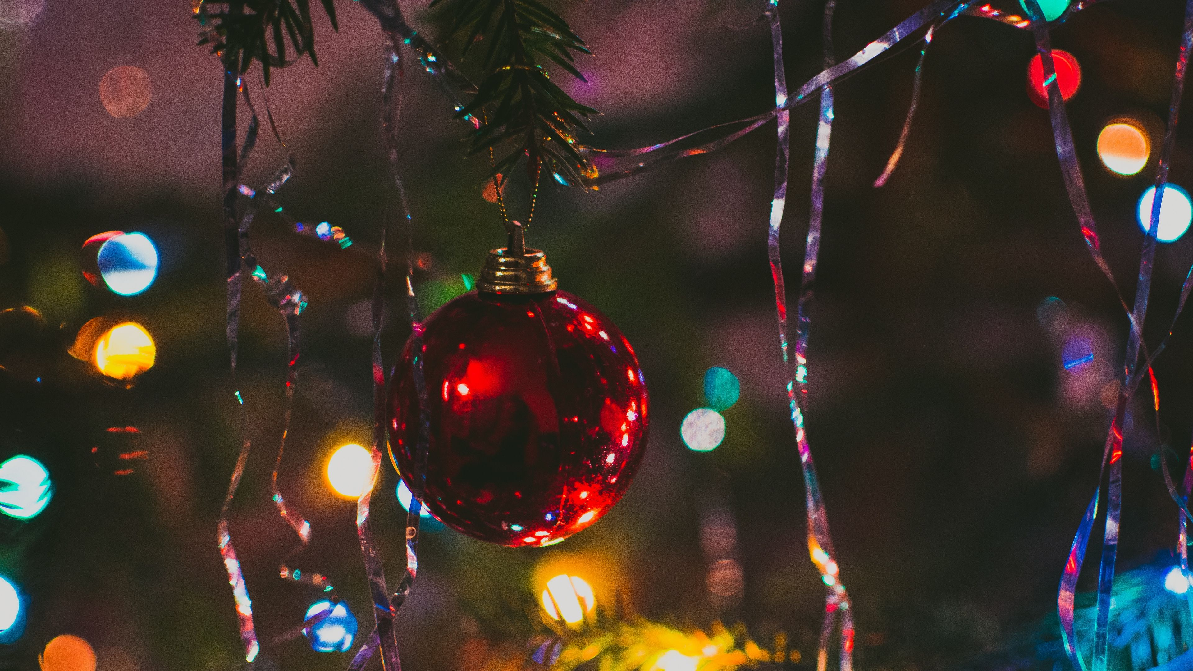 Christmas Tree Ball Fir New Year Christmas 4k Fir Christmas Tree Ball Christmas Wallpaper Red Christmas Tree Christmas Wallpaper Backgrounds