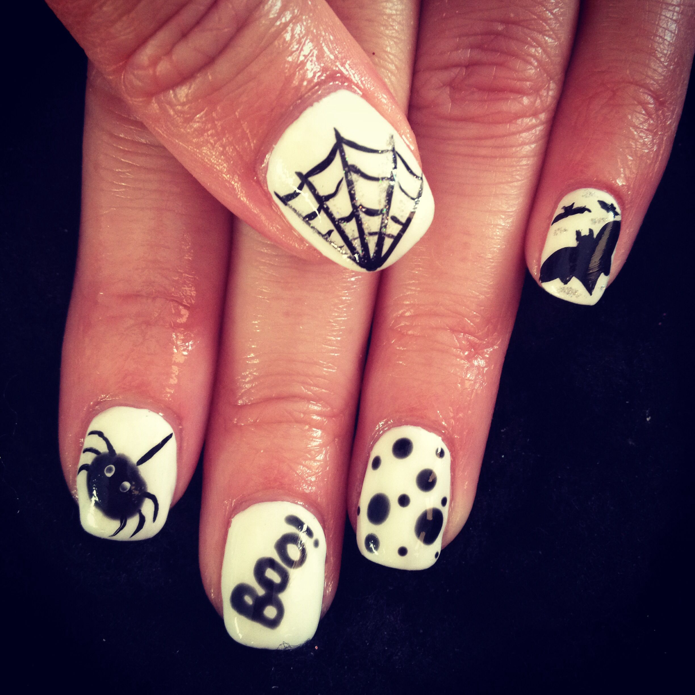Love black and white Halloween nails   Nail art   Pinterest ...
