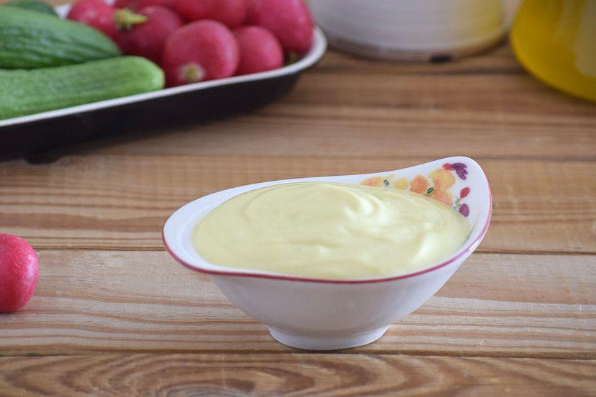 Cómo Hacer Lactonesa O Mayonesa Sin Huevo Receta Muy Fácil Ideal Para Evitar Riesgos También Con Opción Sin Lactosa Receta Mayonesa Sin Huevo Recetas De Salsas Mayonesa