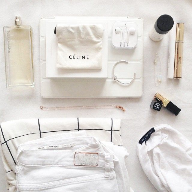 25 Seriously Inspiring Beauty Flatlays From Instagram   StyleCaster