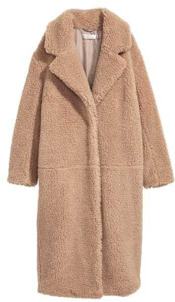 3442455e796d H&M Long Pile Coat. Gorgeous teddy coat. Neutral outfit for winter.  #teddycoat