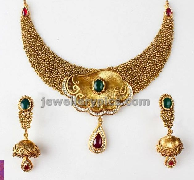 Latest Indian Gold and Diamond Jewellery Designs Pearl necklace