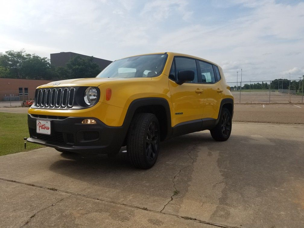 My New Baby 2016 Jeep Renegade Love The Yellow And Black Lllllll Dream Cars Jeep Jeep Renegade Dream Cars