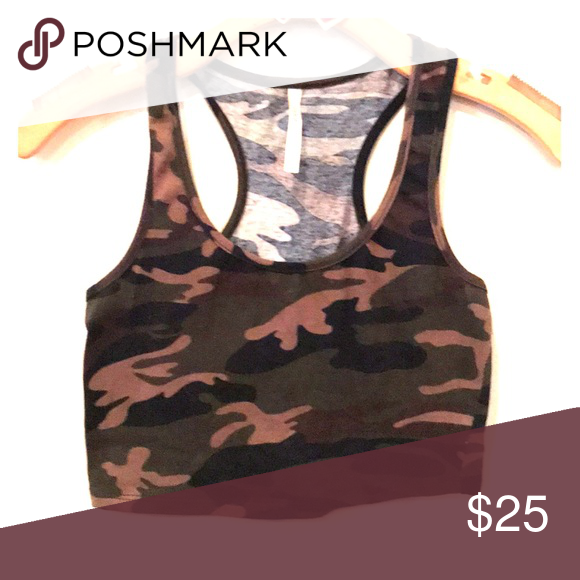 5e2f87ced1bdc Army print crop top Army print crop top DNA couture Tops Crop Tops ...